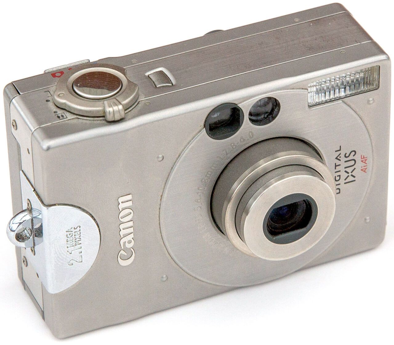 My first digital camera, the Canon Digital Ixus. (184-162)
